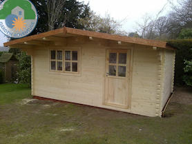 Lusia 5x5 Log Cabin