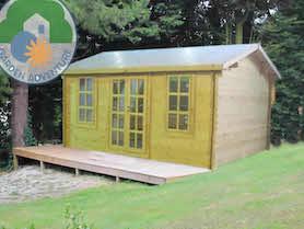 Pila Log Cabin
